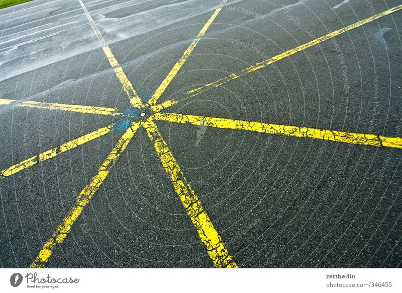 Star-shaped Airport Transport Traffic infrastructure Street Crossroads Lanes & trails Road junction Aviation Airfield Runway Signs and labeling Good Asphalt