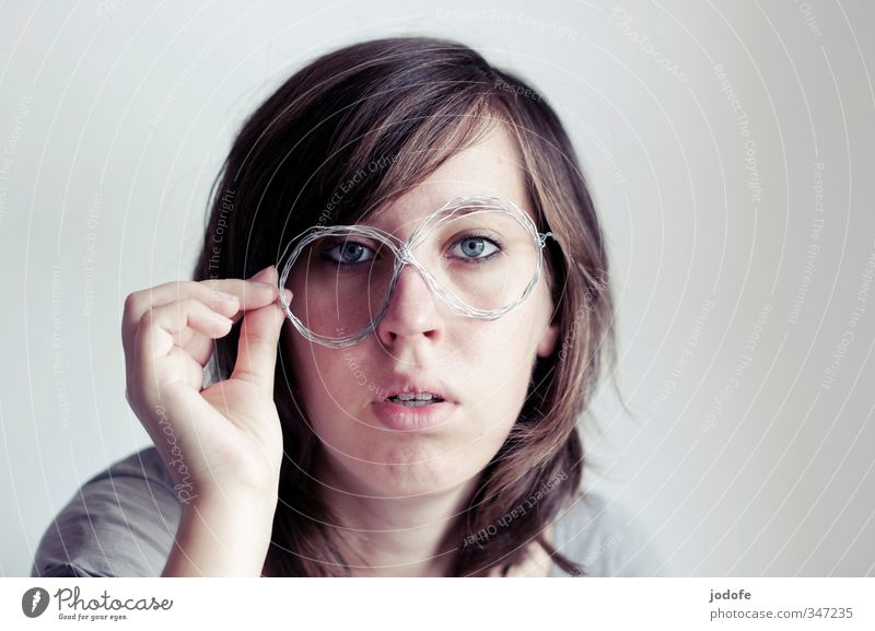 without glasses Human being Feminine Young woman Youth (Young adults) Head Face 1 18 - 30 years Adults Smart Eyeglasses Wire Self-made Looking Amazed Disbelief