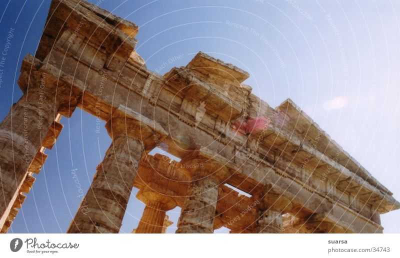The temples of Paestum 3 Italy Greek Vacation & Travel Europe Light Culture Historic Building Architecture Column Römerberg Sky