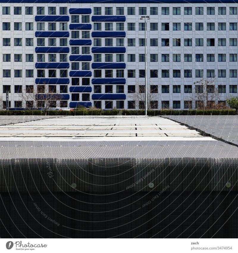 Facade of an office building in Berlin Town Wall (barrier) Wall (building) door Architecture built Line House (Residential Structure) High-rise High-rise facade