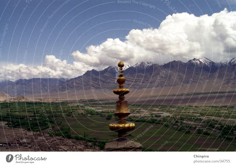 Fluffy Clouds Temple Ladakh India High plain Los Angeles Mountain