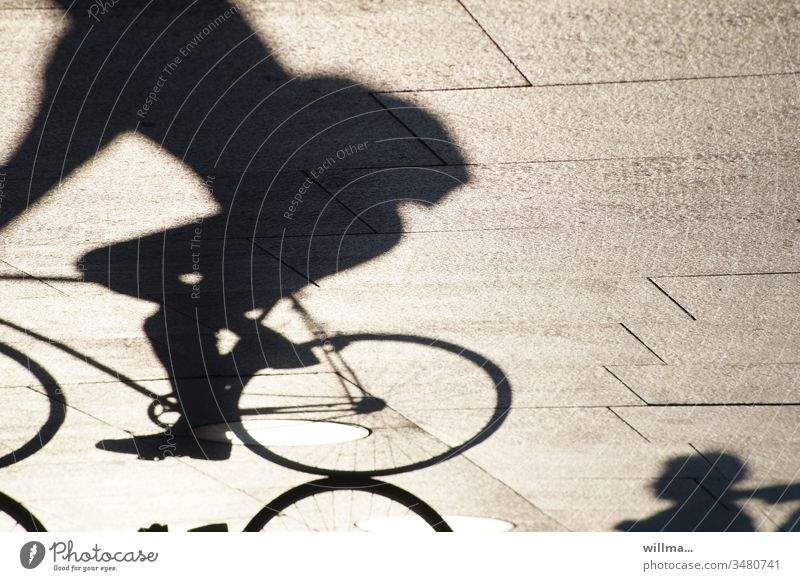 Shadow of a cyclist Cycling Human being sunny cycling Leisure and hobbies Bicycle Means of transport recreational activity Exercise in fresh air urban