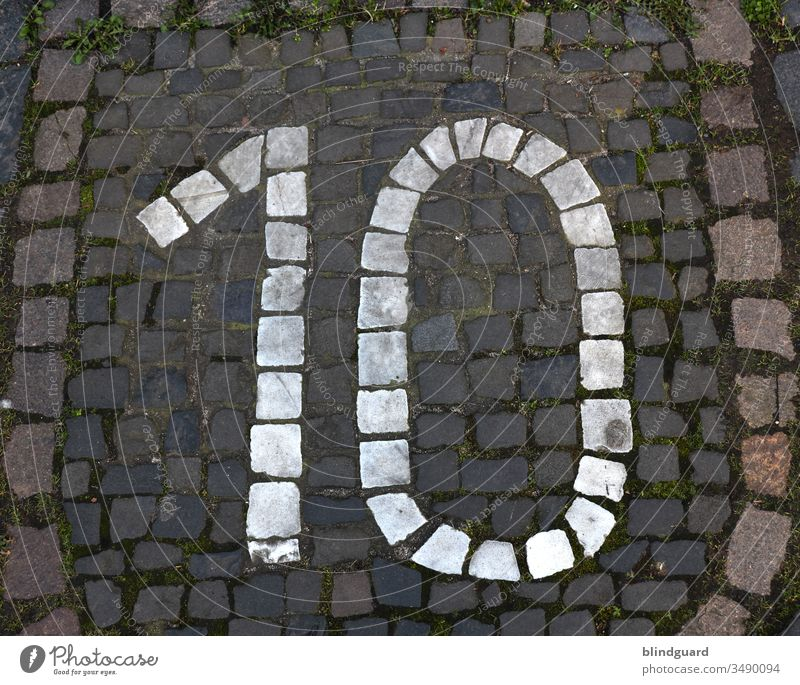 10 ten tien dix decem diez dieci tio deset number House number Digits and numbers Colour photo Signs and labeling Exterior shot Deserted Street off Entrance