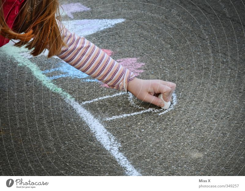 Human being Child Colour Girl Art Leisure and hobbies Infancy Painting (action, artwork) Creativity Sidewalk 8 - 13 years Draw Artist Chalk Painter