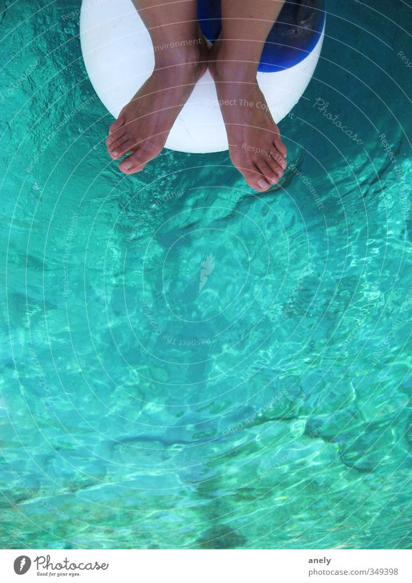 CLEAR Feet 1 Human being Water Summer Fender Swimming & Bathing Vacation & Travel Blue Brown Turquoise Serene Relaxation Sailing Sunbathing Toes Considerable