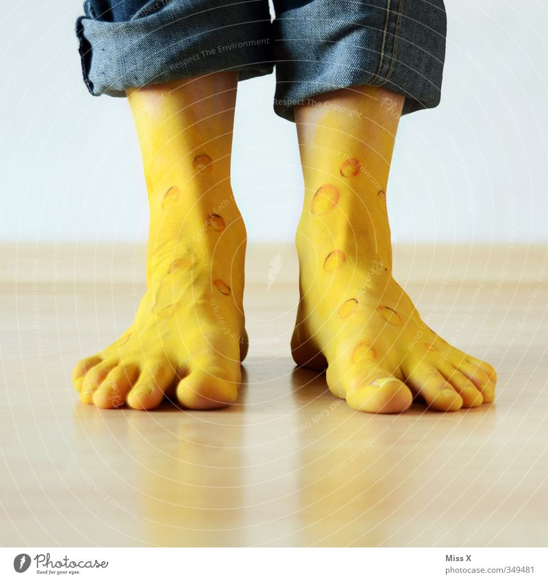 cheese feet Cheese Personal hygiene Pedicure Healthy Illness Human being Legs Feet 1 Walking Dirty Fragrance Funny Crazy Yellow Cleanliness Disgust Bizarre