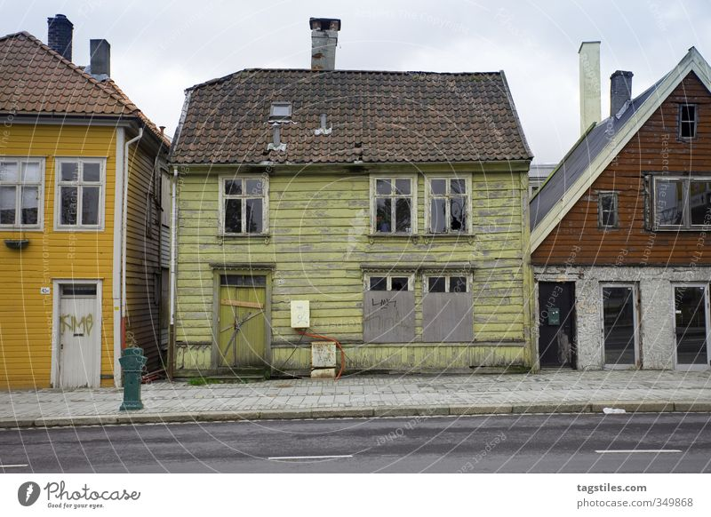 KITCHEN-LIVING HOUSE Gingerbread house House (Residential Structure) Old Decline Nostalgia Fairy tale fairytale house Ruin Bergen Norway Shabby wicked Tilt