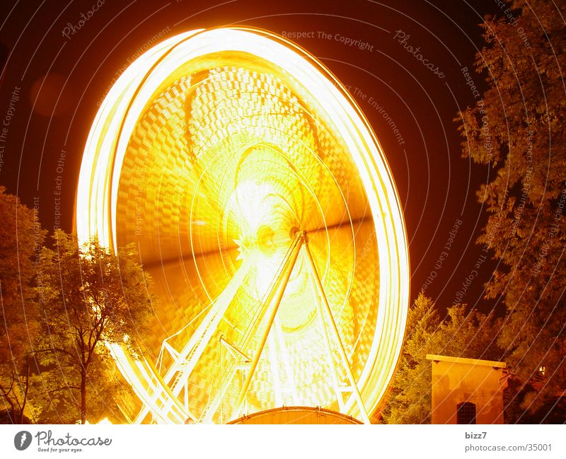 wheel Ferris wheel Night Long exposure Fairs & Carnivals Speed Leisure and hobbies fun