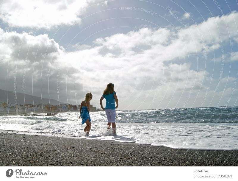 catch waves Human being Feminine Child Girl Brothers and sisters Sister Infancy 2 Environment Nature Landscape Sky Clouds Summer Beautiful weather Warmth Waves