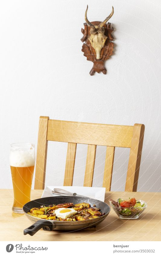 """Tyrolean potato """"Gröstl"""" with onions Potatoesgröstl Pan Roasted Heart Love Overview of the Bacon Close-up Table Chair antlers groestl Tyroleans Eating Meat"""