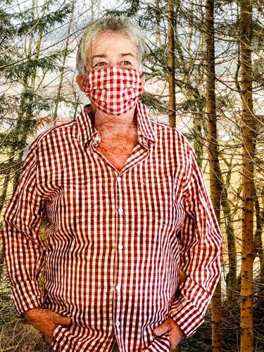 haute couture | coronakaro Checkered red chequered Mask Protection Self portrait Double exposure Human being Forest huts coronavirus Risk of infection