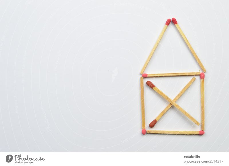 Matches: the house of Santa Claus | Symmetry matches House (Residential Structure) House of St. Nicholas game lay Ignite Fire Collection Pattern open space Red