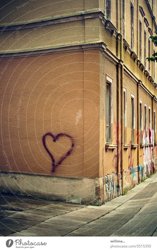 The house friend Heart Graffiti symbol Love Valentine's Day Mother's Day house corner Infatuation Deserted Old building Suitor With love Display of affection