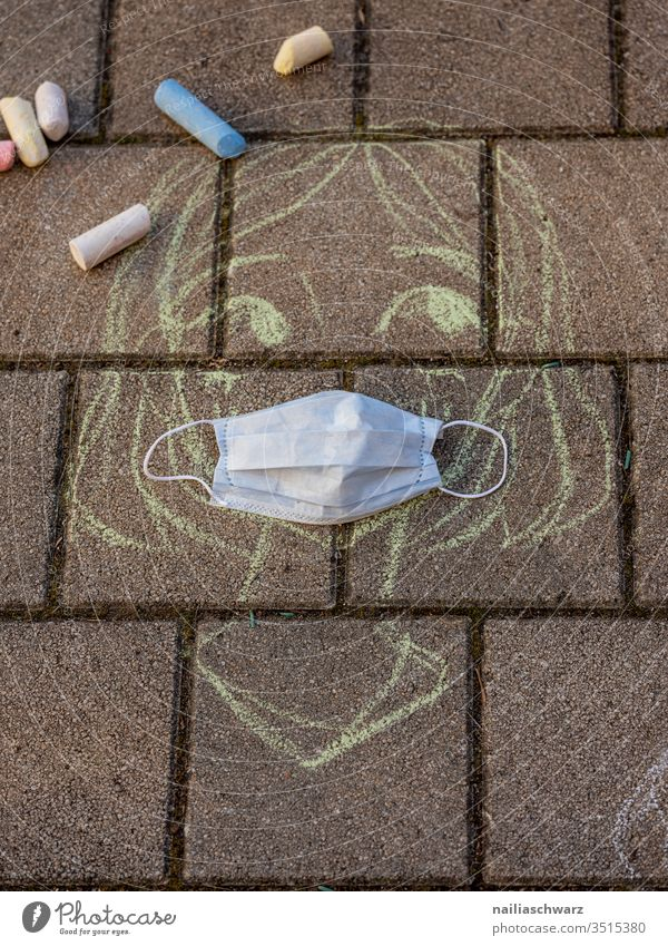 Chalk drawing with the face mask Protection Protective clothing Mask Mouth protection mask Virus coronavirus Infancy lock Childhood, gesture School Safety Risk