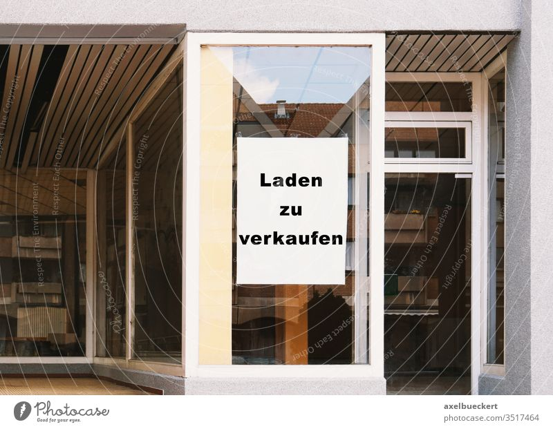Laden zu verkaufen - translates as store for sale - german sign laden zu verkaufen germany vacancy shop business closure property real estate economy crisis