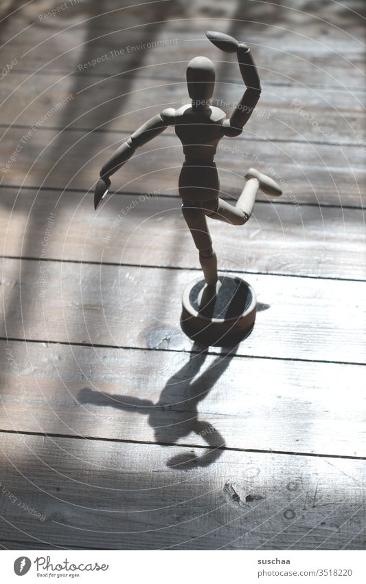 dancing puppet Doll Manikin wood Wooden doll Interior shot Wooden figure Figure drawing course Limbs figuratively Light Light and shadow pose adjustable