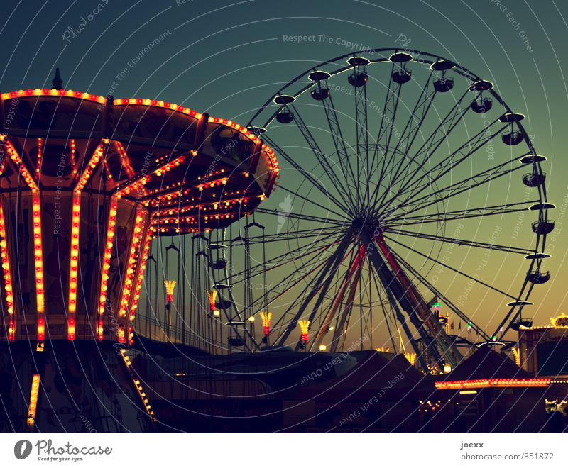 We stay awake Joy Fairs & Carnivals Event Sky Cloudless sky Beautiful weather Rotate Old Tall Retro Round Blue Yellow Green Orange Black Leisure and hobbies