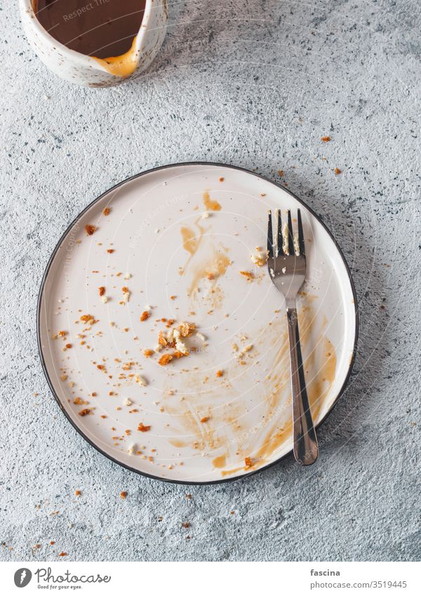 Empty dirty plate, top view dish sauce empty dinner meal food table eat lunch white finished background restaurant tableware cuisine nobody fork kitchen fresh