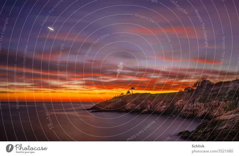 Coastal landscape at dusk with planet Venus in Brittany near Port Manec'h Landscape Twilight Planet Illuminate Evening Star Sky Long exposure Horizon huts Small