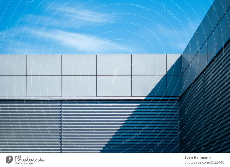 Modern architecture Architecture Facade Arrangement Abstract Symmetry High-rise Esthetic Light Structures and shapes Deserted architectural photography