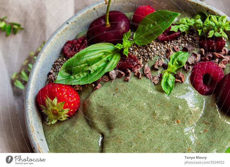 Green smoothie bowl with berries green green smoothie smoothies texture vegetarian detox vegan breakfast healthy juice organic juice cleanse Healthy Eating