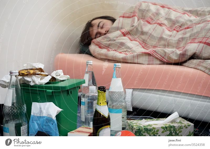 semester break Sleep Flat (apartment) Young man Bed Bedroom disorder Trash Lie doze sloth Dream escape Relaxation University & College student Semster vacation