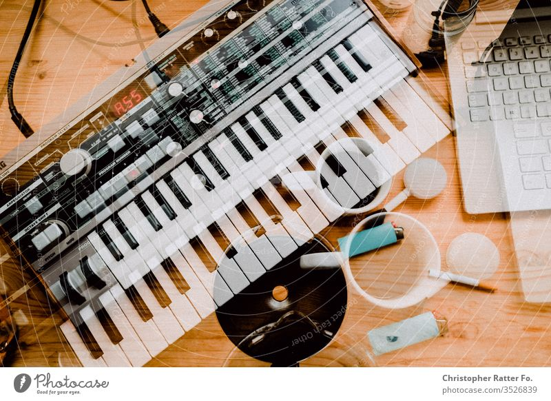 Time for creativity with coffee and a synthesizer Synthesizer Technology Electrical equipment Computer Keyboard Coffee To have a coffee Coffee break Creativity
