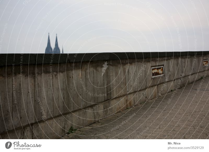 Cologne Wall Wall (barrier) Cologne Cathedral Dome Tourist Attraction Landmark Town Gray cathedral points Sky Religion and faith Belief Wall (building)