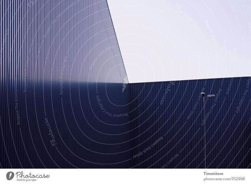 Sky Blue Wall (building) Architecture Wall (barrier) Lamp Line Metal Business Esthetic Corner Cool (slang) Industry Industrial plant Saarbrücken