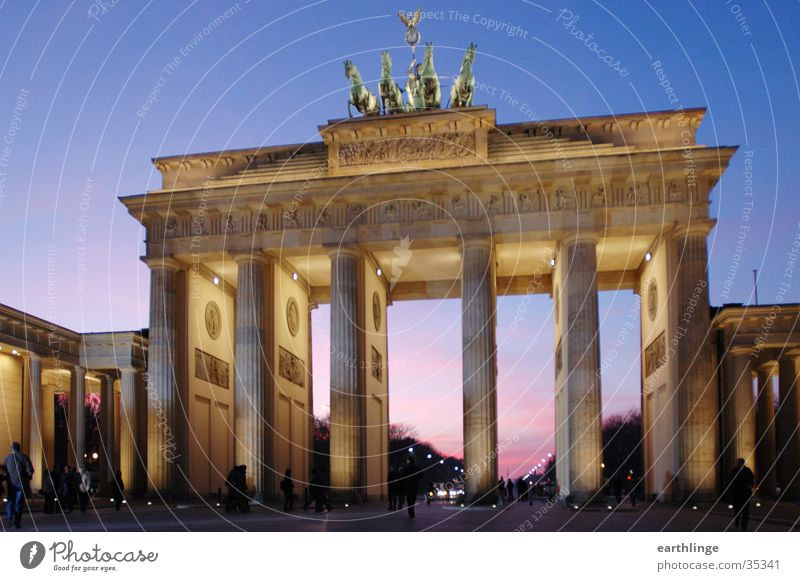 Berlin Brandenburg Gate 2 Twilight Sunset Cold Passage Pink Lighting Architecture Blue Perspective Dynamics December 2004