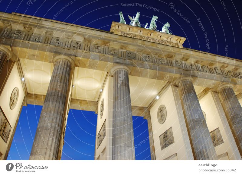 Blue Cold Berlin Lighting Architecture Perspective Dynamics Passage Brandenburg Gate