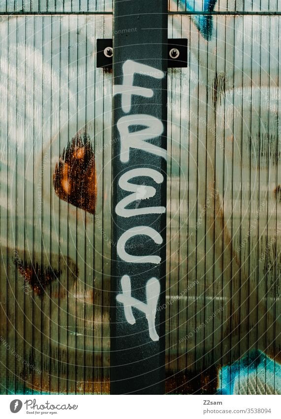 Frech? grafiti Tagging (graffiti) schrift beschmiert frech aussage eigenschaft material draußen metall pfosten Vandalism Keyword