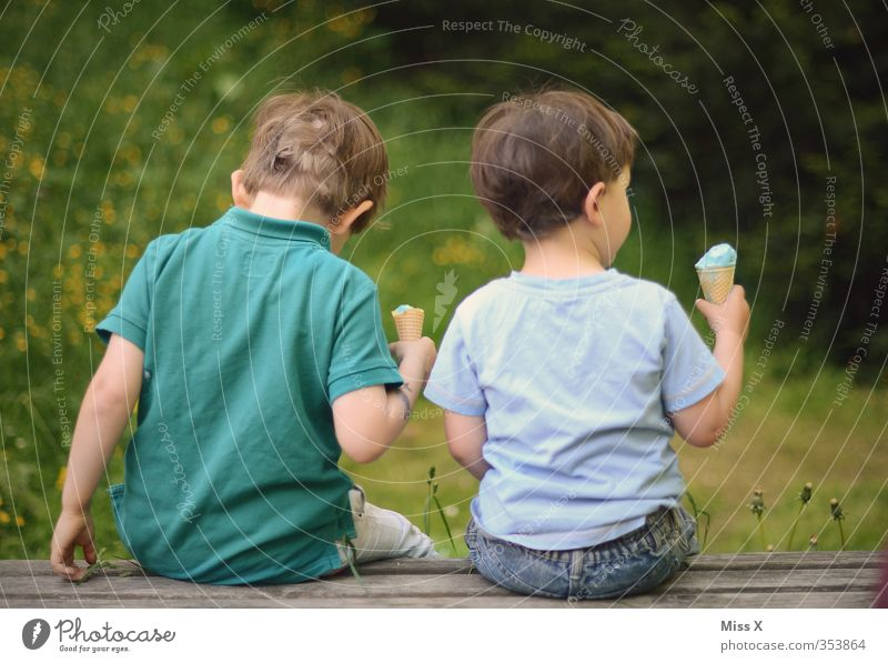 brethren Food Ice cream Nutrition Eating Vacation & Travel Human being Child Toddler Brothers and sisters Family & Relations Friendship Infancy 2 1 - 3 years