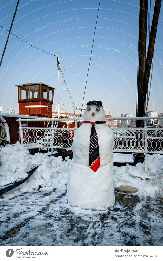 Snowman on ship at the Old Port Berlin Vacation & Travel City trip Sightseeing Trip Tourism Environment Winter Beautiful weather Ice Frost River bank