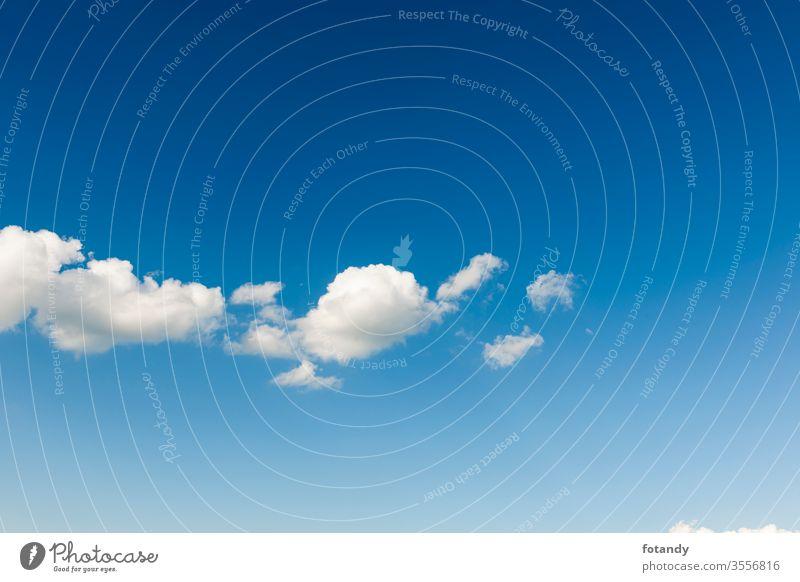 White cloud band against blue sky blau Wolkenband horizontal Cumulus Cumuluswolke himmel himmelblau Hintergrund Idylle Jahreszeit Landschaft leicht Leichtigkeit