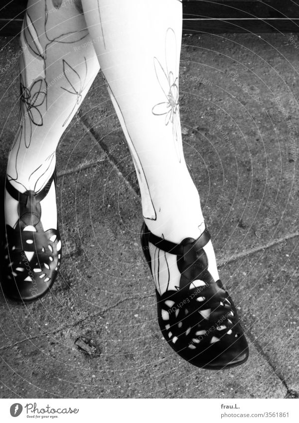 chic shoes - beautiful legs - beautiful lady - chic flowers feet Footwear Stockings Woman Legs Sit Flowery pattern Sandals