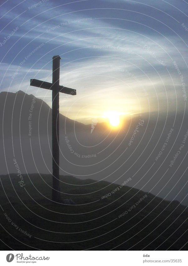 Sun Mountain Moody Fog Back Peak Mystic Peak cross