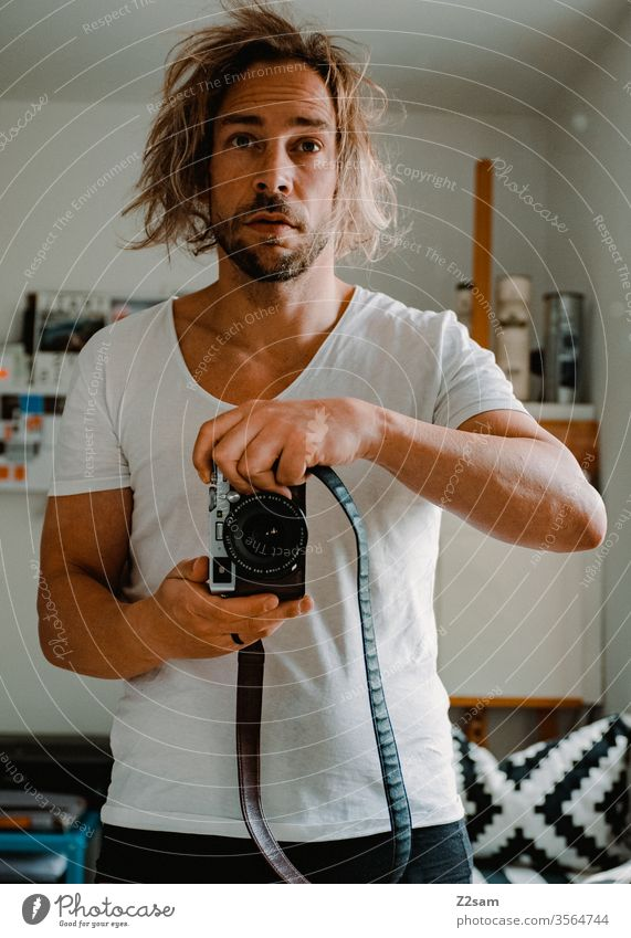 Morning self-portrait Selfi Self portrait in the morning Arise Oversleep Photographer camera Mirror hair pulling Man Fatigue Hair and hairstyles Facial hair