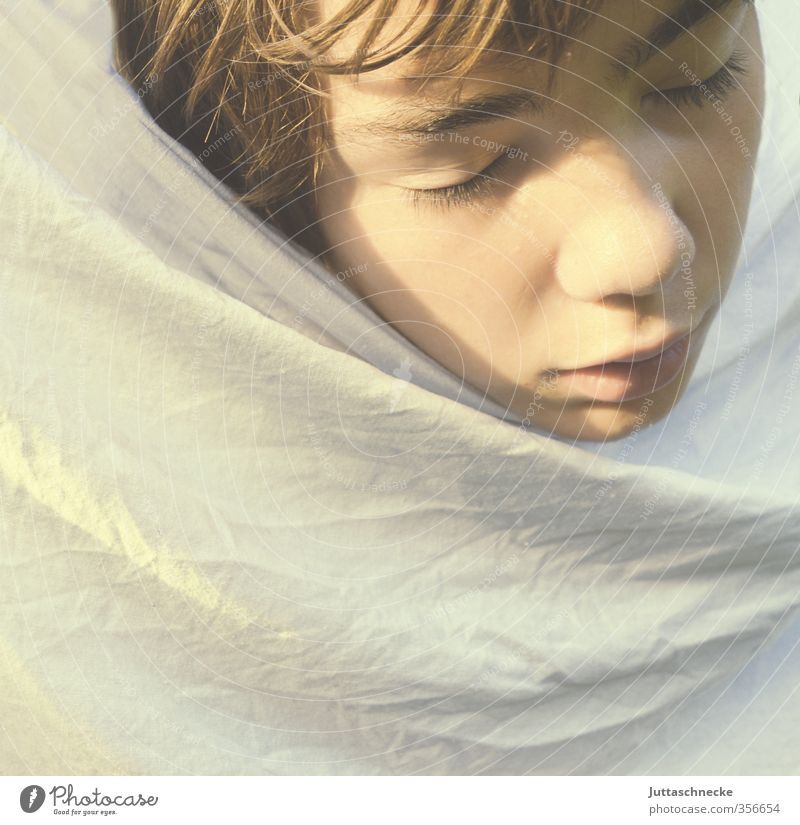Human being Child Youth (Young adults) White Loneliness Calm Face Boy (child) Head Dream Masculine Infancy 13 - 18 years Sleep Safety Protection