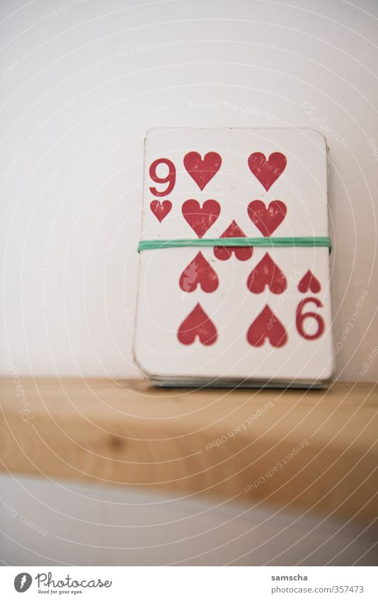 Red Joy Love Playing Leisure and hobbies Success Heart Digits and numbers Sign Addiction Entertainment Lose Playing card Ornament 9 Casino