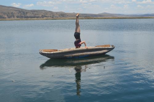 Headstand Canoe Go crazy Yoga balance Workout Flexibility gymnastics calisthenics Summer Trip Adventure Tourism Landscape Exterior shot Far-off places