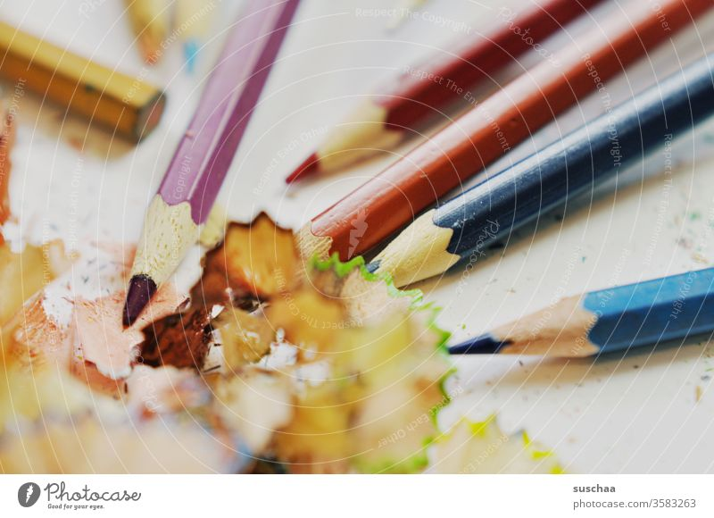 sharpened crayons and shavings Writing utensil Analog Pointed wood waste product Shavings Draw Crayon Multicoloured Creativity Leisure and hobbies