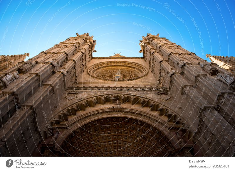 Church from below house of God Belief Religion and faith Dome Tourist Attraction Deserted Architecture Sky Exterior shot Colour photo Day Christianity Landmark