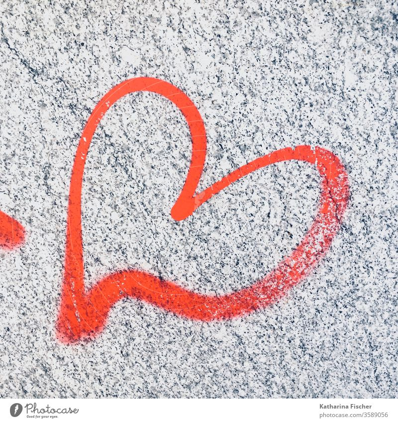 Love heart graffiti Heart Graffiti Exterior shot Colour photo Wall (building) Sign Characters Copy Space bottom Romance Close-up Emotions Deserted Day luck