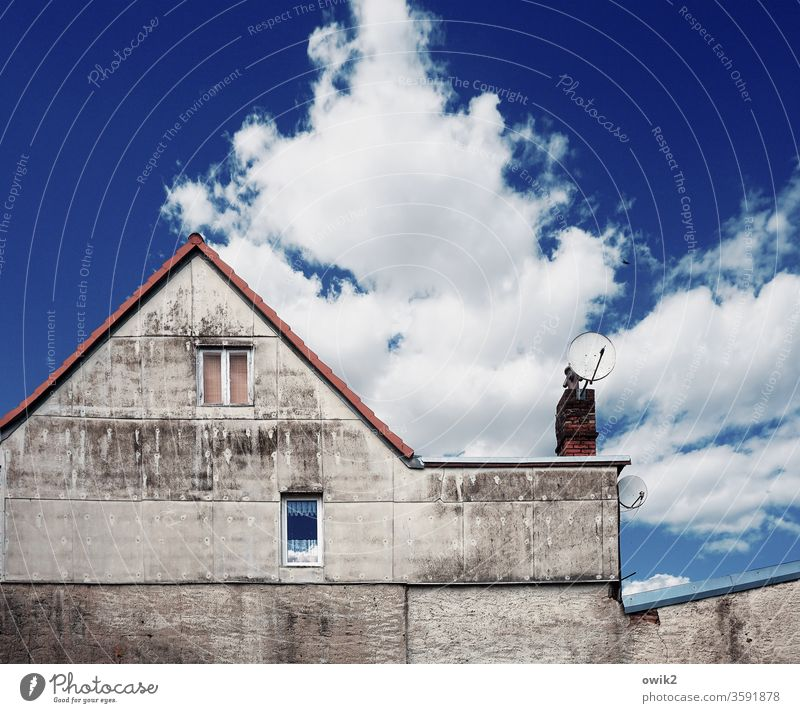 Reception House (Residential Structure) Wall (building) Window Sky Blue Eaves Chimney Deserted Roof built Copy Space top Old Architecture Old town