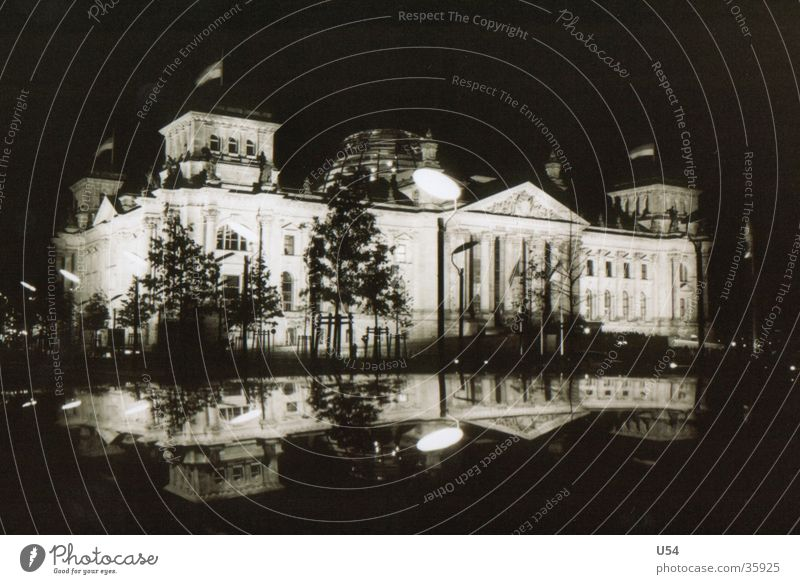 Reichstag...? Night Reflection House (Residential Structure) Building Architecture Berlin Capital city