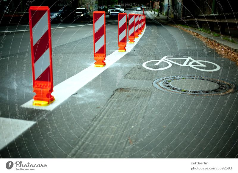 Pop-up cycle path Cycle path Multi-line pop up gone pop-up cycle path pop-up way Rule Safety trace Street Transport traffic control Traffic regulation