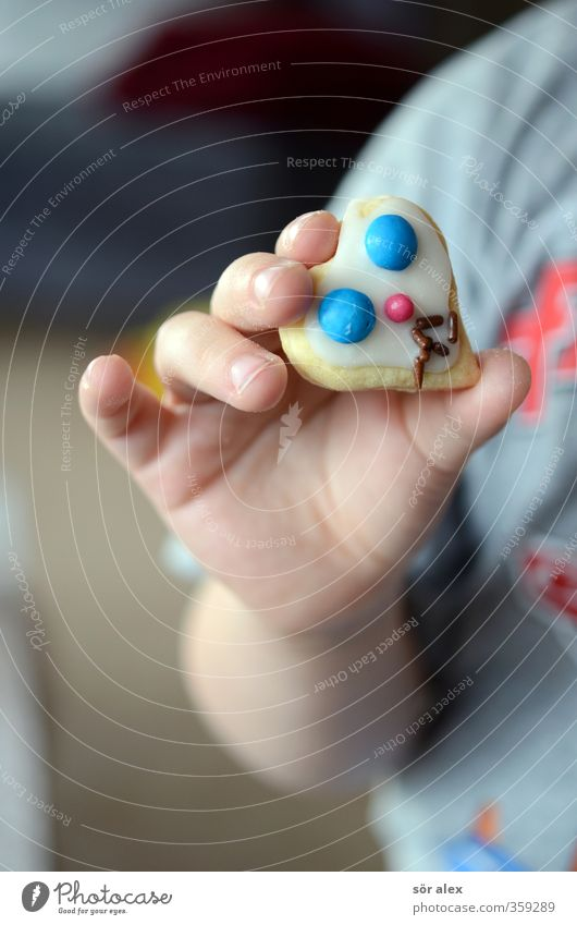 Human being Child Hand Eating Food Infancy Nutrition Cooking & Baking To hold on Delicious Candy Toddler Heart-shaped
