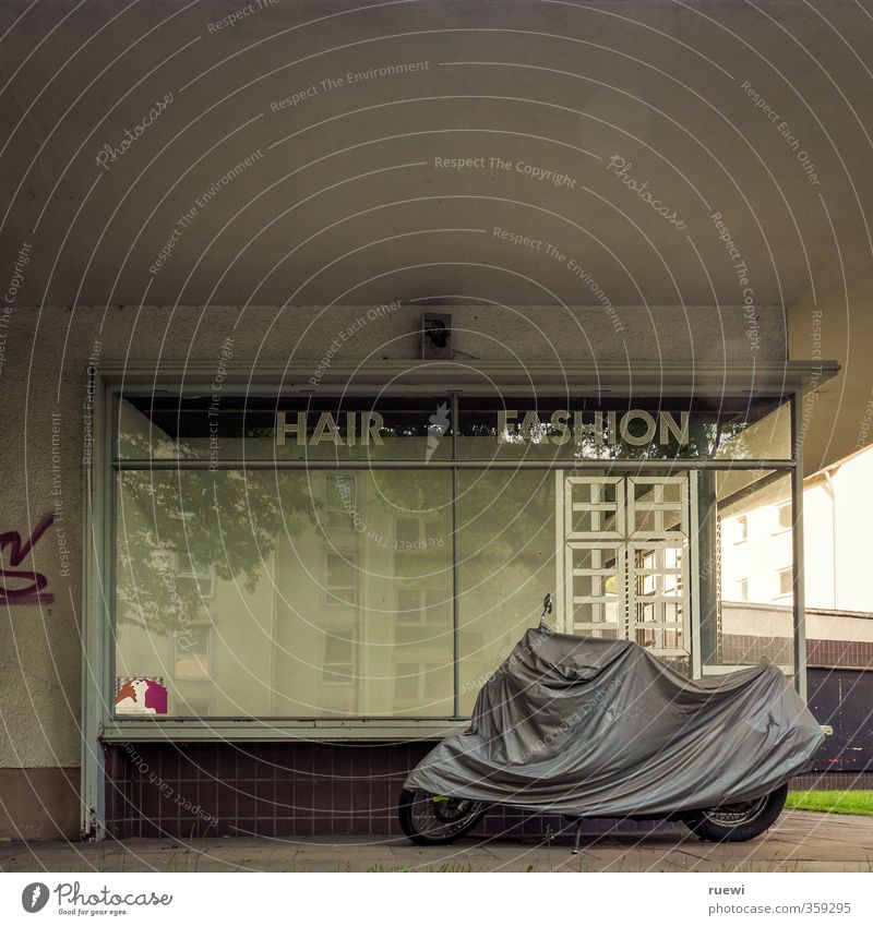 Hair| Fashion Beautiful Personal hygiene Hair and hairstyles Barber shop Hairdresser Workplace Craft (trade) Unemployment Town House (Residential Structure)