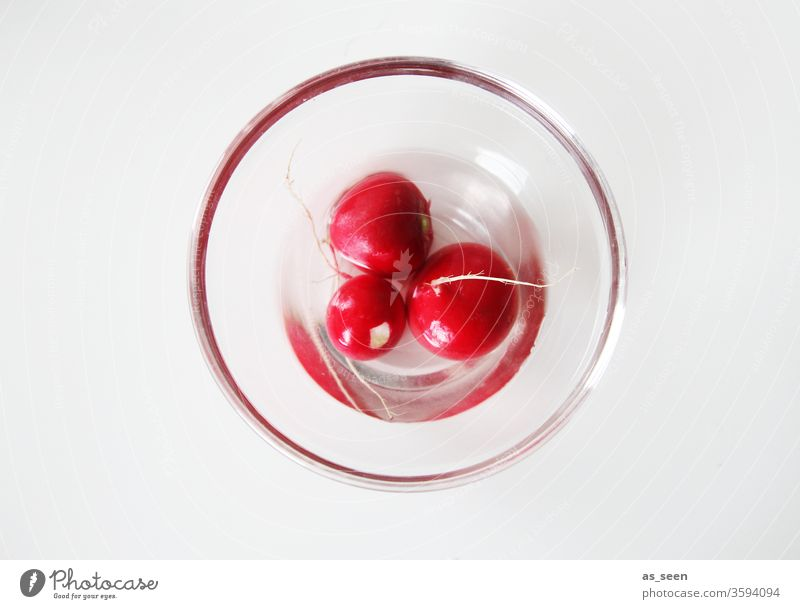 Three radishes in glass bowl Radish radish salad Red Round Glass Glass bowl Water Fresh Vegetable Food Vegetarian diet Healthy Colour photo Organic produce